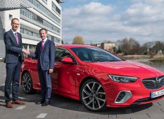Opel-Chef Michael Lohscheller und Oberbürgermeister Udo Bausch