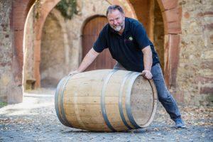 Weinfassrollen der Stadtwerke am Rieslingsonntag
