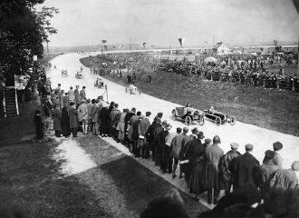 Vor 100 Jahren: Großer Motorsport auf der Opel-Rennbahn
